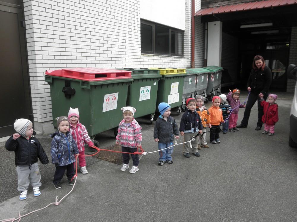 """Ločevanje odpadkov v skupini """"Miške"""""""